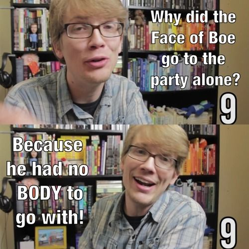 Hank Green telling a Doctor Who joke. THIS IS GOLDEN.