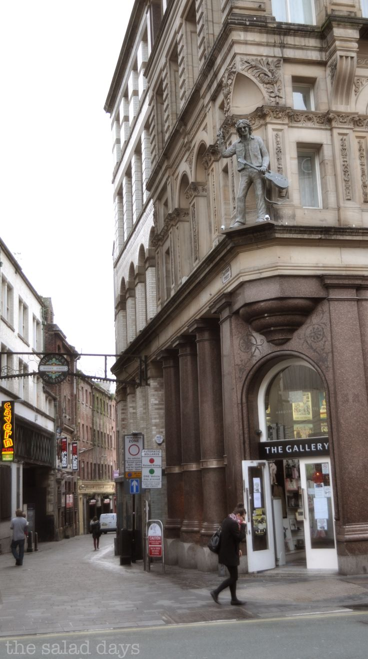 Hard Day's Night Hotel and Matthews Street, Liverpool, England.. scottgossip.blogspot.com smittenbybritain.com
