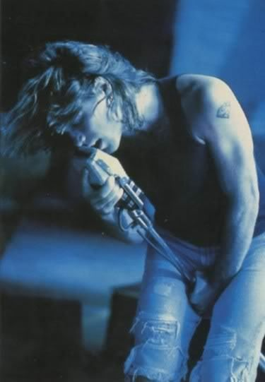 My all-time favorite pic of JBJ - ohh to be that microphone stand....{sigh}