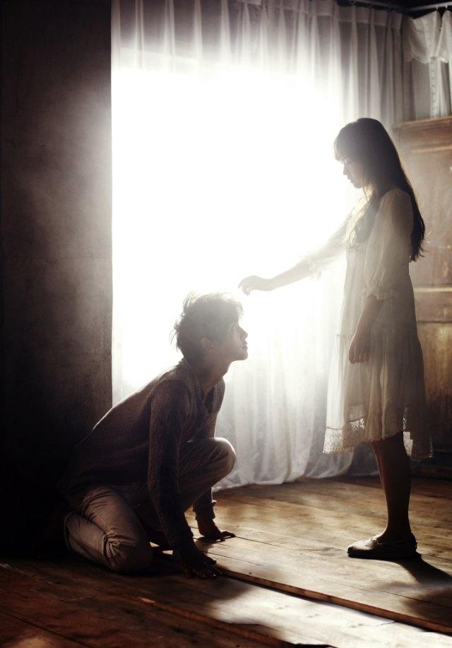 Bo-yeong Park and Joong-ki Song in A Werewolf Boy