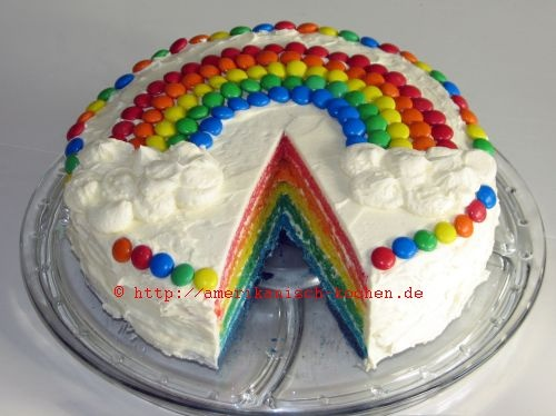 Regenbogen Kuchen fuer Lucas' Taufe!
