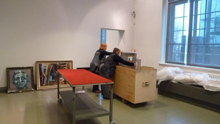 Our technicians packing Esko Männikkö's works