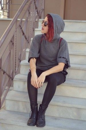 #streetstyle #loose #cool #leggings #poncho #girly