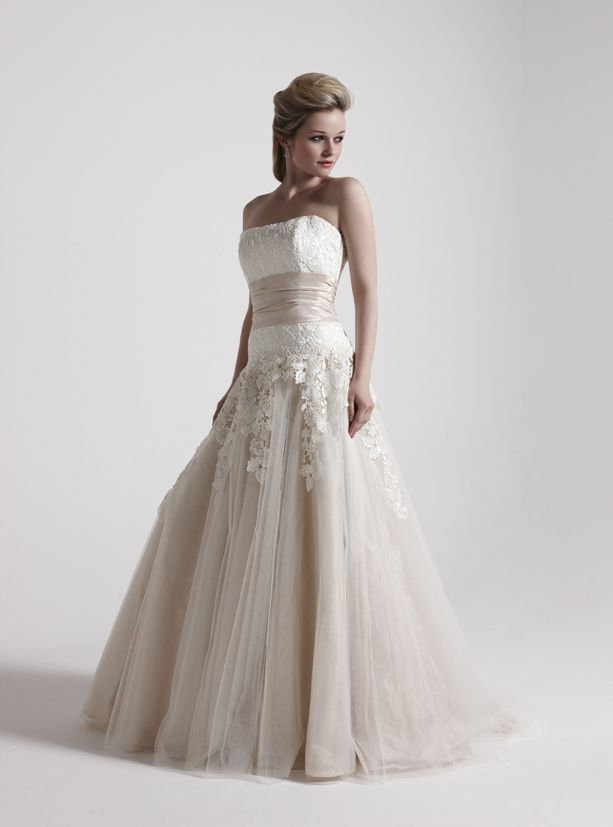 38 Best So Si Wedding Dresses Images On Pinterest Winchester