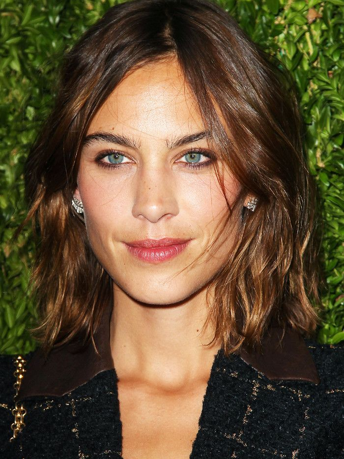 Experts Agree: These Are the Best Hairstyles For Long Faces via @ByrdieBeautyUK