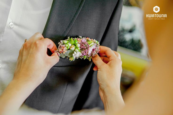 #kwiatownia #buttonhole #buttonholes #weeding #instagram #flowers #kwiaty #decor #decorations #flowersofinstagram #art #floral #fasion #handmade #ceremony #love #bride #bridesmaid fot.Marek Błachnio