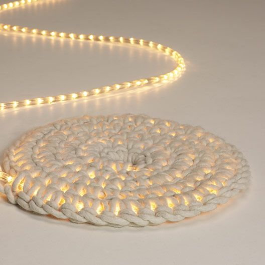 Crochet around an LED rope light using a thick spun wool to create a super cool kid's room nightlight or luminescent outdoor mat. #DIY | grosgrainfabulous.blogspot.comIdeas, Outdoor Rugs, Area Rugs, Night Lights, Kids Room, Floors Mats, Crochet Rugs, Floors Lamps, Diy Rugs