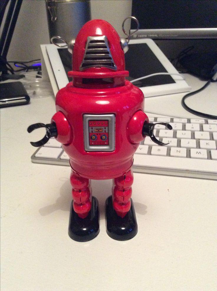 Carl Robot er opkaldt efter den fantastiske Carl Perkins. Manden bag hittet Blue Suede Shoes.
