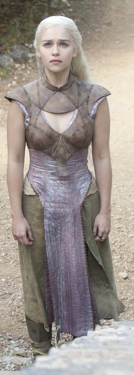 "Emilia Clarke - ""Game of Thrones"" (TV 2011- ) - Costume designer : Michele Clapton"