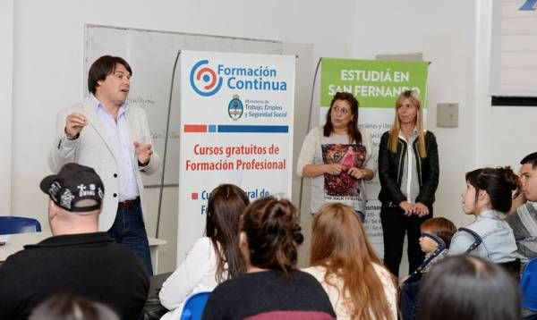 En el CUM de San Fernando, los jóvenes se capacitan gratuitamente para conseguir su primer empleo