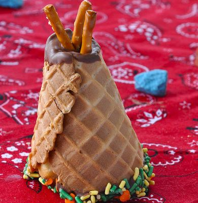 cowboy and indian cakes | Wow, who would have thought, tee pee cup cakes they look so good, you ...