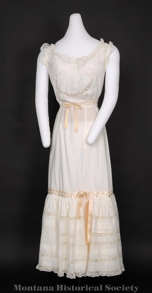 45 best images about wedding dresses on pinterest for Wedding dress under garments