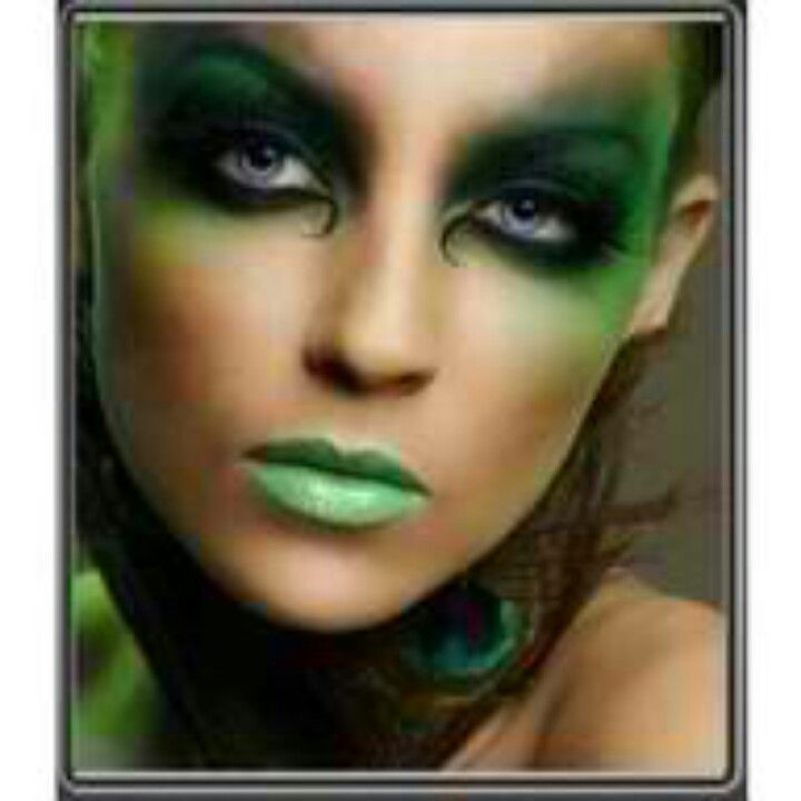 Witch makeup - Really like that her whole face isn't green.