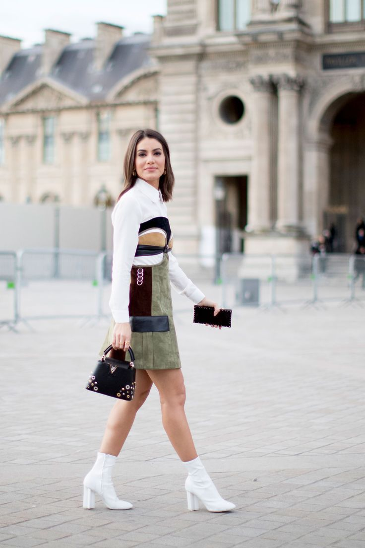 Paris Fashion Week Fall 2017 Street Style Day 8, See the best street style captured at Paris Fashion Week Fall 2017 at TheImpression.com PFW