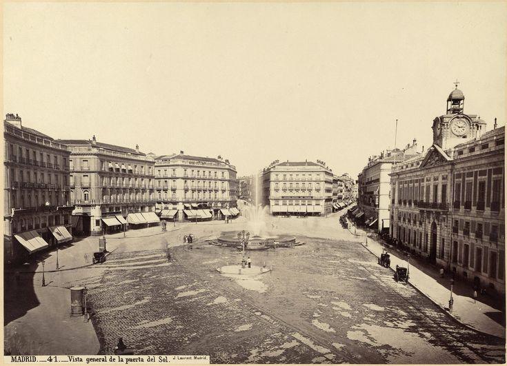 Puerta del Sol, tras la remodelación, sobre 1870. J.Laurent. Colección Martín Carrasco (Madrid)