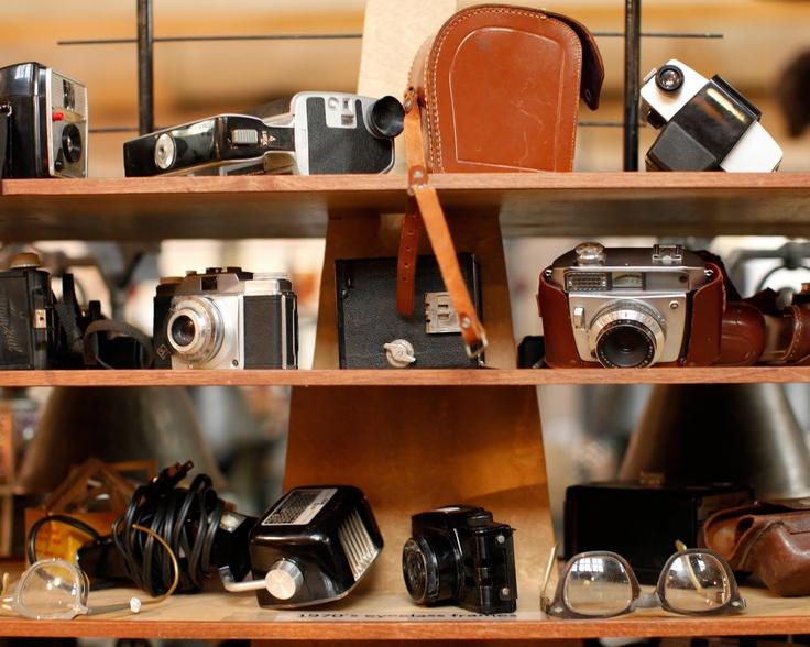 Colección de cámaras viejas que recolectó de mercados de pulgas #ConcursoBellmurJeans #Camila