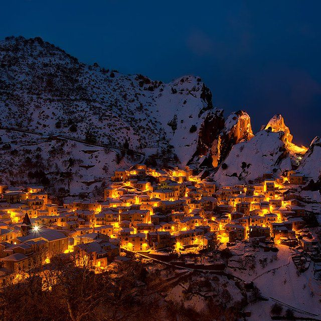 Castelmezzano, Italy. Amazing to live in the mountain