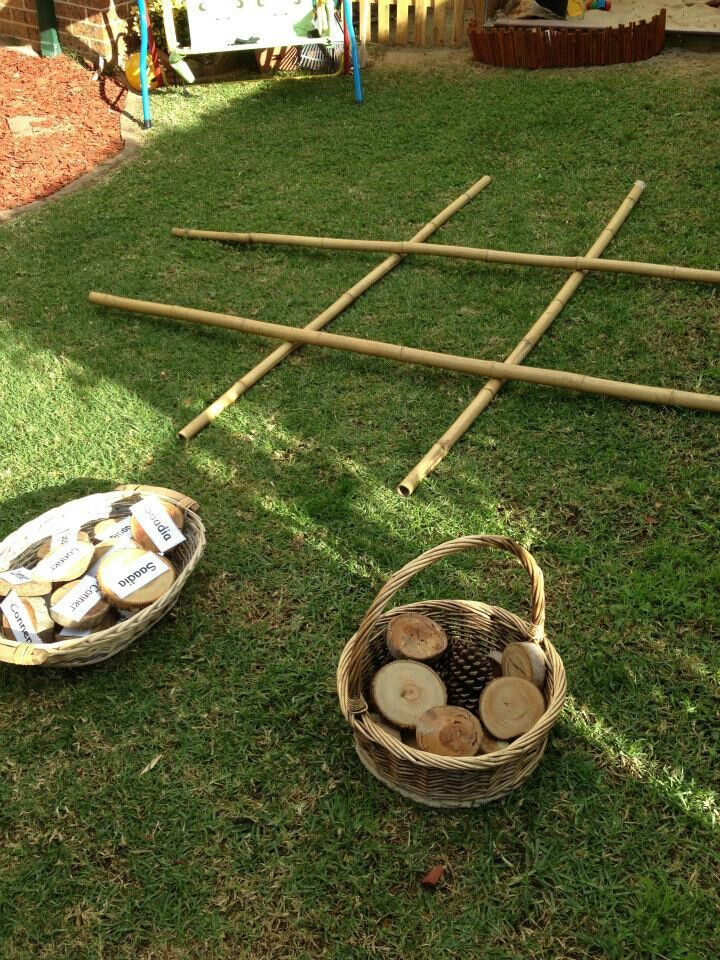 Tic tac toe with natural materials