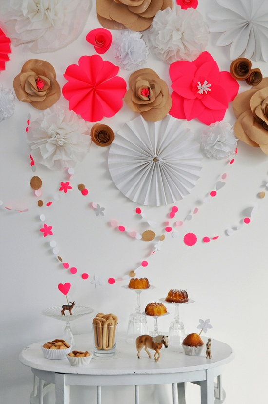 Truly splendid party decorations from Something Splendid. Love the pop of neons against the brown and white neutrals.: Neon Parties, Paper Garlands, Paper Decor, Color Combos, Paper Flower, Kraft Paper, Parties Ideas, Paper Crafts, Parties Decor