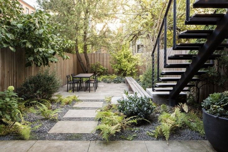 The Cult of the Courtyard: 10 Backyard Ideas for Small Spaces