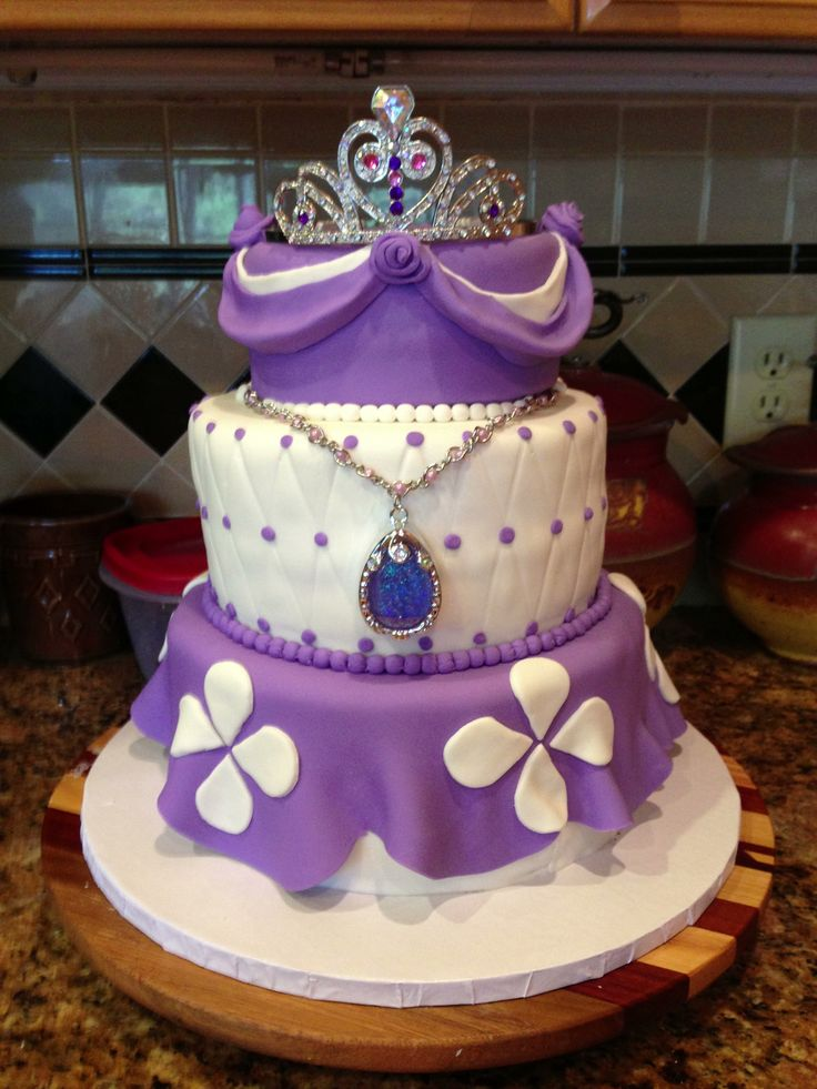 Sofia the First cake, crown and amulet from Disney Store