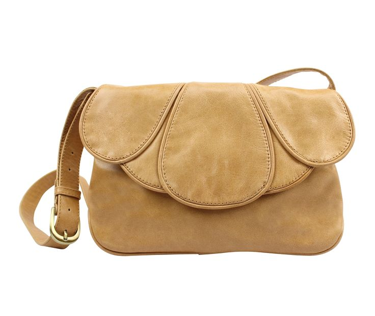 San Francisco leather shoulder bag in honey | hardtofind.
