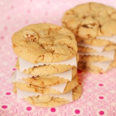 Crunchy pecan cookies | Cookies | Pinterest | Pecan Cookies, Pecans ...