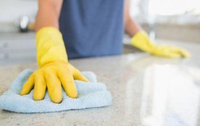 Come pulire il marmo: 10 consigli utili - 10 consigli utili per pulire al meglio le superfici in marmo di casa, dai pavimenti ai ripiani.