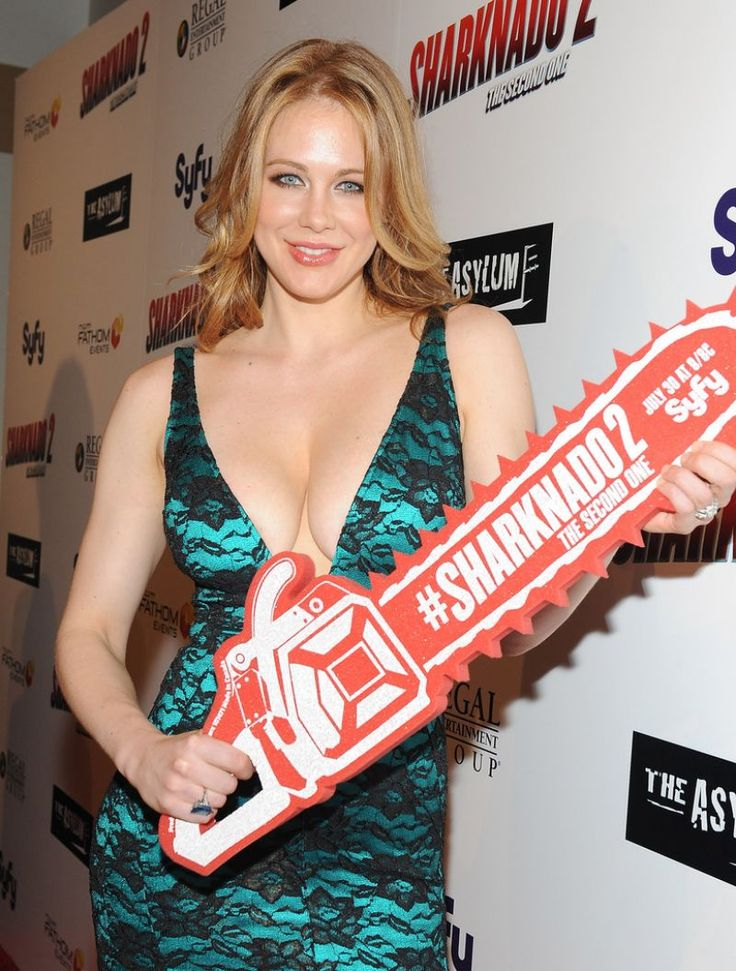 Maitland Ward – 'Sharknado 2: The Second One' Premiere in Los Angeles  #prom