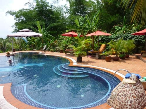 17 best images about fancy pools on pinterest singapore for Fancy swimming pool designs