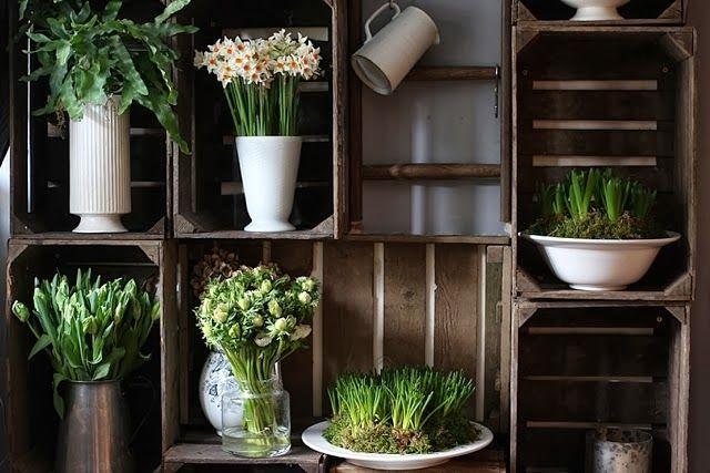 Caisses en bois pour exposer des fleurs-Of spring and summer via Nat et nature