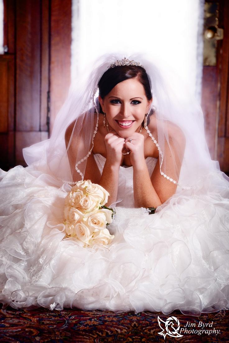 62 best Bridal Portraits images on Pinterest | Bridal bouquets ...