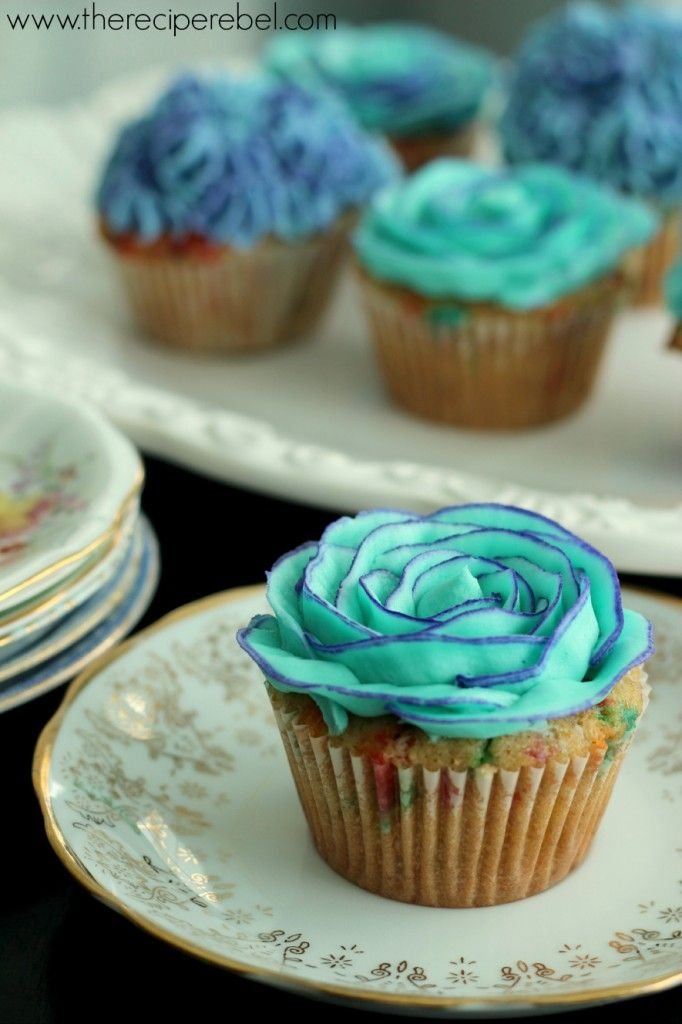 {Whole Wheat} Funfetti Cupcakes with Two-Tone Buttercream Rose Tutorial