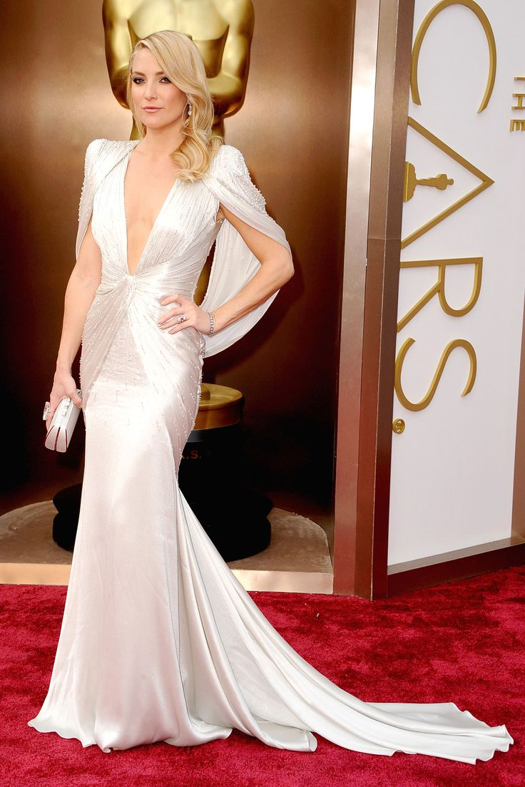 She wowed!  The carpet was full of safe beautiful dresses, happy to see a risk taker!  perfection! Top ten Best Dressed -Kate Hudson