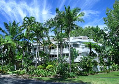 The White House - Port Douglas Enquire http://www.fnqapartments.com/accommodation-port-douglas/under-100/pg-2/ #portdouglasaccommodation