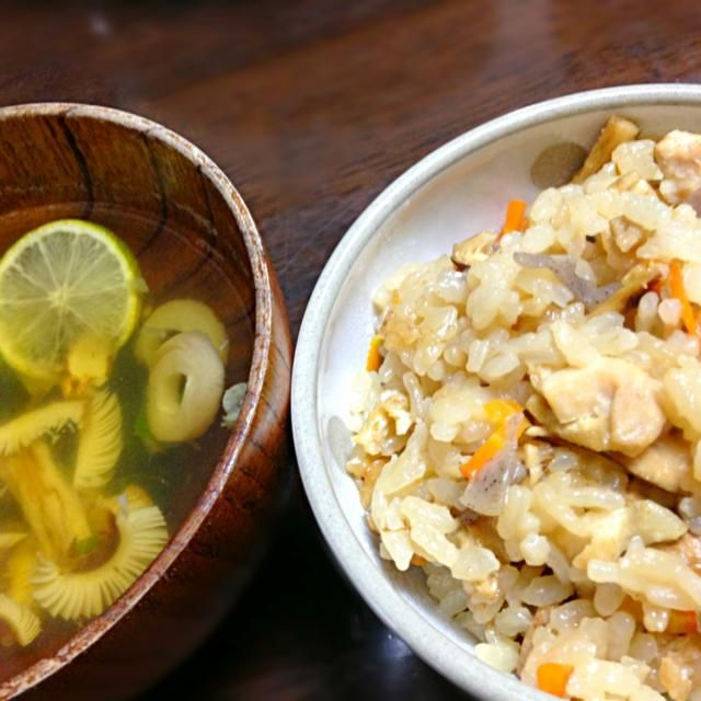 今年初の松茸でーす☆ - 5件のもぐもぐ - 松茸ごはんと松茸のお吸い物 by kimichan523