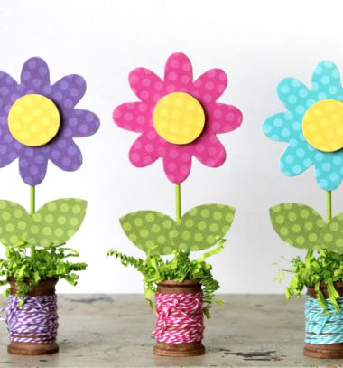 Wooden spool spring flower craft - fun spring decor // Virágos tavaszi dekoráció karton papírból spulnival // Mindy - craft tutorial collection