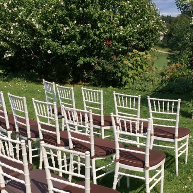 """Lush Garden Chuppah #garden #greenery #fall #september #flowers #floral #flowerstagram #flowerstalking #weddingflowers #weddingphotography #westchesterwedding #westchester #bride #groom #bridal #ceremony #reception #roses #orchids #blush #lavender #green #chuppah #arch #autumn  #lilykimberly #crabtreekittlehouse"" by @lilykimberly. #eventplanner #weddingdesign #невеста #brides #свадьба #junebugweddings #greenweddingshoes #destinationweddingphotographer #dugunfotografcisi #stylemepretty…"