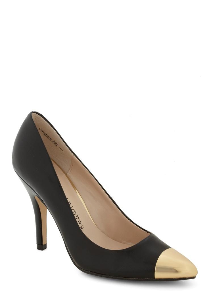 Stella, Womens Court Shoes Mercadal