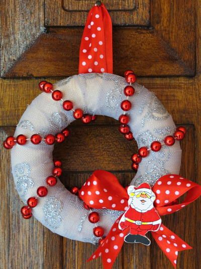 76 best diy wreaths for all seasons images on pinterest mini red and white diy christmas wreath solutioingenieria Gallery