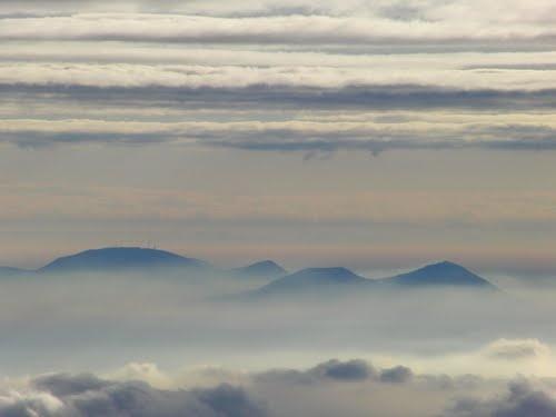 Colli Euganei tra nebbia e nuvole (Euganean hills bitween fog and clouds)