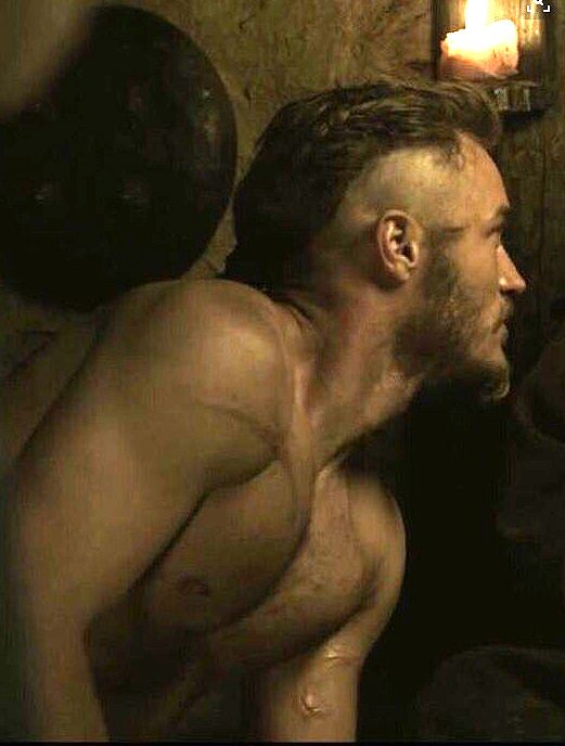 Travis Fimmel on Vikings!! My new  TV CRUSH!! I BINGED WATCHED 3 SEASONS IN 4 DAYS!!
