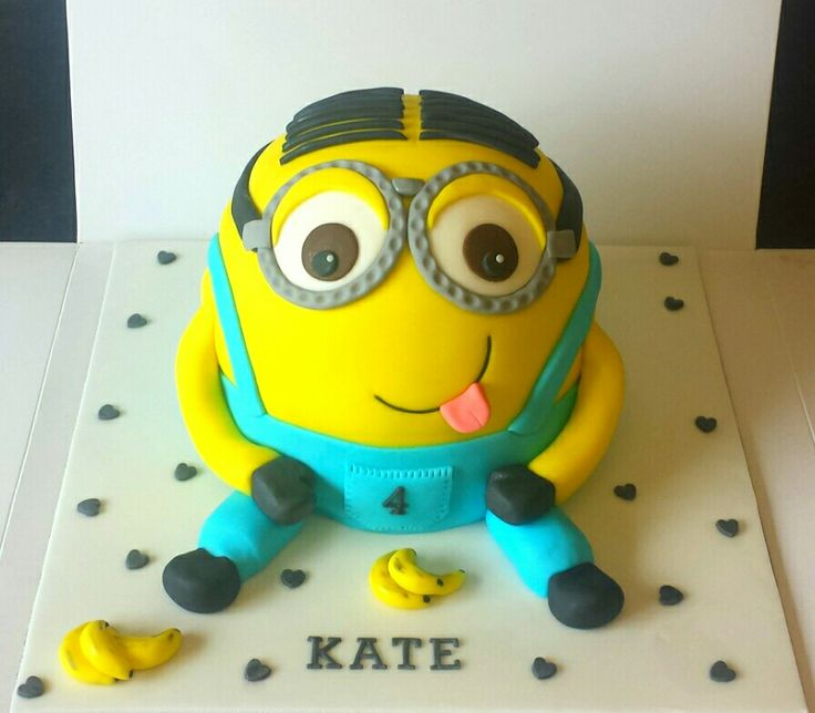 Mini minion Martin cake.