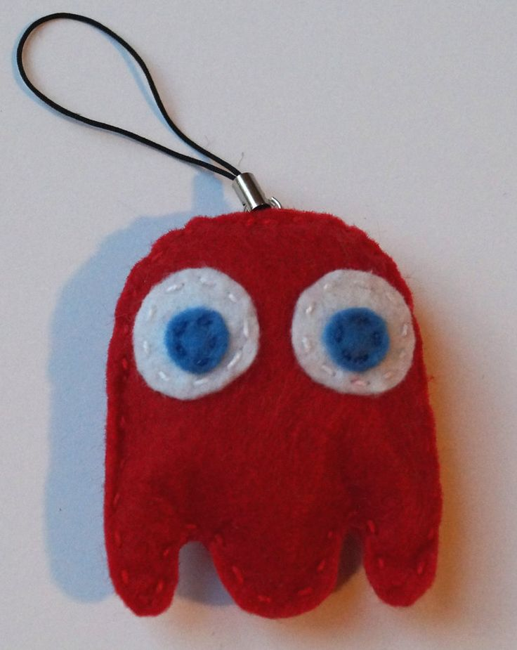 Pacman red ghost keychain by TosTosia