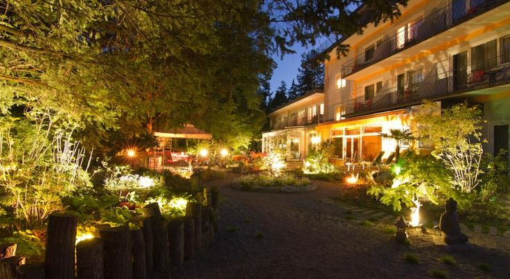 Balance Hotel am Blauenwald Badenweiler Located in the Black Forest Nature Park, this privately run hotel in Badenweiler offers a spa are, brightly decorated rooms and suites with cable TV and a spacious bathroom.