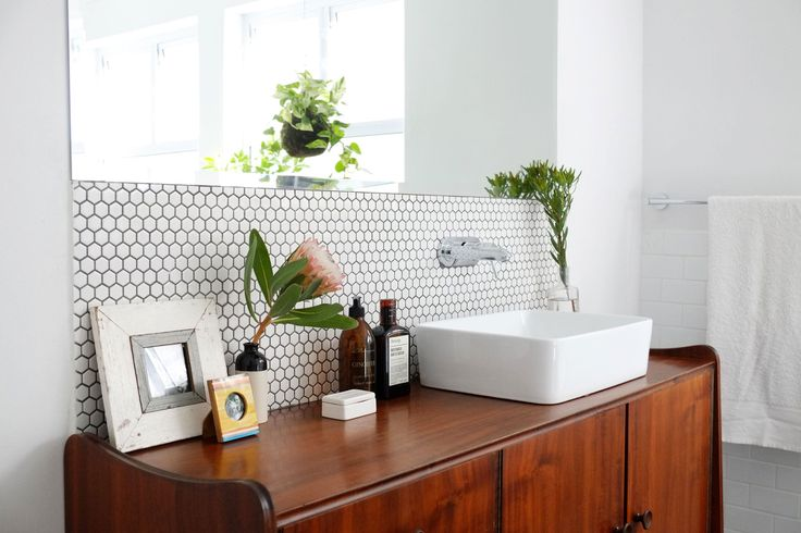 (Gender) Neutral Ground: A Design Expert On Decorating a Bathroom to Please Everyone