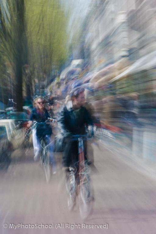 Creative Photography: How to Create Zoom Burst Images