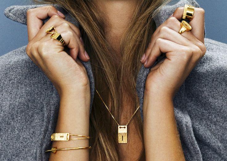 http://donttell.dk/shop/rebekkarebekka-vega-necklace-gold/