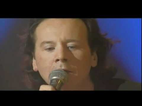 Simple Minds & Alan Stivell She Moves Through The Fair Live 1995 - YouTube