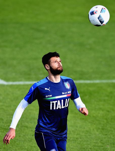 Antonio Candreva in action during the Italy training session at the club's training ground at Coverciano on May 20, 2016 in Florence, Italy.